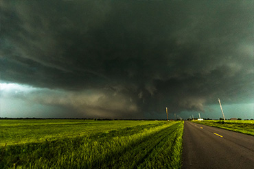 Tornado hunters - what is Storm Chasing?